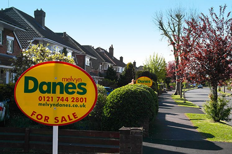 Selling your house? Six questions to ask an estate agent.